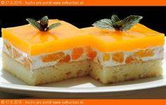 Mandarinka Darinka (osviežujúci bozk) Ak má dezert napraviť renomé pokazeného obeda, tak tento zákusok opraví aj renomé chýbajúceho obeda. Ingrediencie Piškóta: 5 vajec 120 g vanilkového cukru 125 g polohrubej múky 1 PDP alebo 1PL vínny cukor Stredná smotanová vrstva: 1000 ml kyslej smotany 100 g vanilkový cukor 5*20g 3 konzervy lúpaných mandariniek 3x315ml Vrchná … Czech Recipes, Russian Recipes, Jello Recipes, Cake Bars, Desert Recipes, Other Recipes, Baked Goods, Cheesecake, Deserts