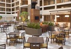 Start your reception right with a cocktail hour in our open air atrium!