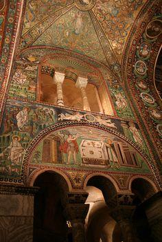 Basilica di San Vitale, Ravenna http://www.turismo.ra.it/ita/Scopri-il-territorio/Arte-e-cultura/Patrimonio-Unesco/Basilica-di-San-Vitale