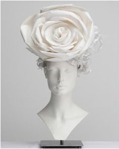 Four Unique Floral Displays with Mannequin Heads  To read the full article, click here... http://blog.mannequinmadness.com/2015/01/four-unique-floral-displays-with-mannequin-heads/