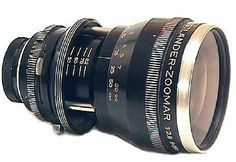 Kilfitt 36–82 mm/2.8 Zoomar was the first 35mm format zoom lens