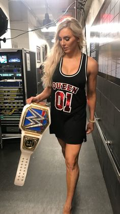 Charlotte Wrestling Superstars, Wrestling Divas, Wwe Girls, Wwe Ladies, Wwe Outfits, Charlotte Flair Wwe, Wrestlemania 29, Wwe Sasha Banks, Catch