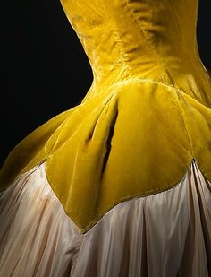 """Petal"" Designer: Charles James (American, born Great Britain, 1906–1978) Date: 1951 Culture: American Medium: silk Dimensions: Length at CB: 60 in. (152.4 cm) jαɢlαdy"