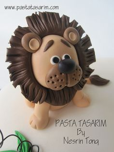 1ST BIRTHDAY ANIMAL CAKE - KAAN | Flickr - Photo Sharing! Fondant Figures, Fondant Cake Toppers, Fondant Cakes, Cupcake Cakes, Cupcake Toppers, Lion Cakes, Safari Cakes, Jungle Cake, Animal Cupcakes