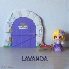 Haz de la caída de los dientes de leche de los niños un momento especial y mágico con esta original puerta del Ratoncito Pérez 100% artesanal. Color lavanda (PVP: 19,95 € + Gastos de envío)
