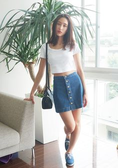 20 Style Tips On How To Wear Denim Mini Skirts | White slip and ...