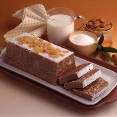 Turrón de chocolate almendra y naranja confitada Food N, Good Food, Food And Drink, Spanish Desserts, Brownie Bar, Sweet Cakes, Sin Gluten, Stevia, Cheesecake