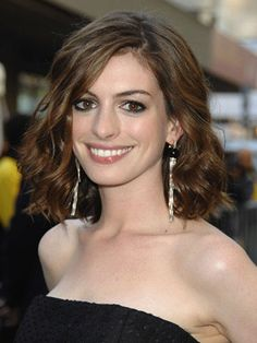 Anne Hathaway's choppy long bob is the perfect hairstyle for your busy days.