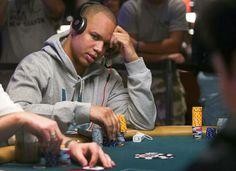 NJ kasino haastaa pokeriammattilainen Phil Ivey on 9600000 dollaria, väittää huijaaminen. Pokeribuumi on menneinä vuosina, mutta se ei tarkoita sitä ei ole miljoonia dollareita vielä lentelee maailman suuriin live pokeriturnauksia.  Jo tänä vuonna 11 pelaajaa on tullut miljonäärejä ja tänään profiili seitsemän parhaan.