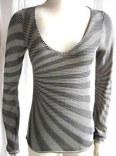 ARMANI COLLEZIONI *~NO DESIGNER TAG~ Navy Blue& Cream STRIPED KNIT TOP SHIRT~ $74.50