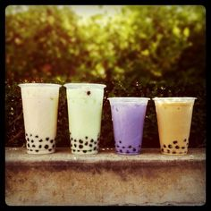 i am utterly obsessed with Bubble Tea! Bubble Tea, Y Food, Food And Drink, Boba Tea Recipe, Summer Treats, Tea Recipes, Frozen Yogurt, Creative Food, Yummy Drinks