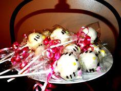 Hello Kitty cakepops!