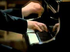 Krystian Zimerman. Leonard Bernstein.   Beethoven Piano Concerto no. 5 (Emperor). This video is outstanding, the performance Fantastic.