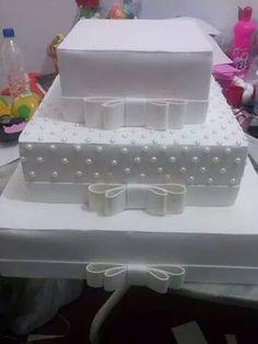 Bolo fake em eva para casamento