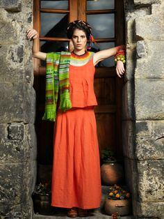 Skirt Indie and top Mellow in thin linen. Jewellery from Denise Cruz.