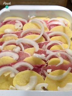 Syn Free Bacon, Onion and Potato Bake - change to tofu and potato ? Slimming World Dinners, Slimming World Recipes Syn Free, Slimming World Diet, Slimming Eats, Skinny Recipes, My Recipes, Cooking Recipes, Favorite Recipes, Potato Recipes