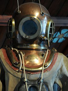 Flight uniform and space suit reference- Scuba Diving Equipment, Scuba Diving Gear, Sea Diving, Diving Helmet, Diving Suit, Deep Sea Diver, Metal Earth, Leagues Under The Sea, Steampunk Design