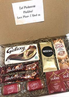 British Sweets, Biscoff Biscuits, Mubarak Ramadan, Lotus Biscoff, Eid Party, Sweet Cones, Vanilla Chai, Luxury Chocolate, Treat Box