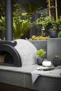 black and white garden styling Landscapers, Landscape Design Company Diy Pizza Oven, Pizza Oven Outdoor, Outdoor Cooking, Pizza Ovens, Brick Oven Outdoor, Outdoor Fire, Outdoor Areas, Outdoor Rooms, Outdoor Living