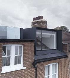 reveal in roof : con form architects Loft Dormer, Dormer Loft Conversion, Dormer Roof, Dormer Windows, Loft Conversions, Architecture Renovation, Roof Architecture, Residential Architecture, Architecture Details