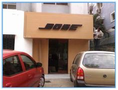 Store fascade for 'Bose', along with specialised acrylic letters that lit in the dark.