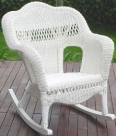 Don& throw out that old wicker furniture just yet! This guide to repairing and repainting wicker furniture will help you restore your wicker furniture for just a few bucks. White Wicker Chair, Wicker Rocker, Wicker Rocking Chair, White Wicker Furniture, Old Wicker, Outdoor Rocking Chairs, Wicker Shelf, Wicker Bedroom, Wicker Table