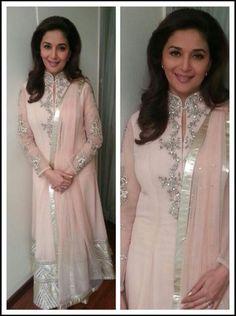 Fashion: Madhuri Dixit in Beautiful Designer Outfits 2014 Kurta Designs, Kurti Designs Party Wear, Indian Attire, Indian Wear, Indian Outfits, Outfits 2014, Pakistani Formal Dresses, Party Kleidung, Indian Designer Suits