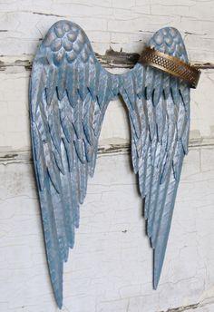 Angel Wing Wall Decor,Angel Wings,Metal Angel Wings,Nursery Wall Decor,Children's Wall Decor,Guardian Angel,Baby Shower Gift,Angel Wings de ColorfulCastAndCrew en Etsy https://www.etsy.com/es/listing/261954117/angel-wing-wall-decorangel-wingsmetal