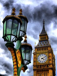 ✮ Big Ben and Lamp. London