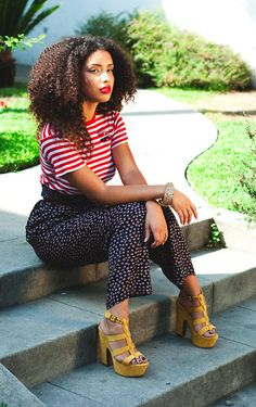 patterns + yellow heels + big curly hair = <3