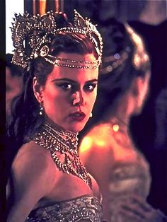 Nicole Kidman in Moulin Rouge... Indian gypsy crown art nouveau head chain