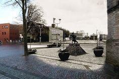 Voormalig zwembad 'de Overdekte' in Alkmaar aan het Canadaplein 2012/1972.
