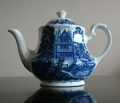 Royal Essex Shakespeare Country Blue White Teapot Harvard House Tea Pot | eBay