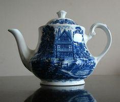 Royal Essex Shakespeare Country Blue White Teapot Harvard House Tea Pot | eBay