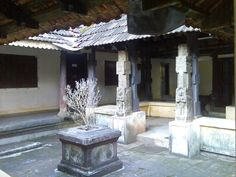 Inner Quadrangle of a Nalukettu, or traditional house, Kerala Kerala Architecture, House Architecture Styles, Colonial Architecture, Kerala Traditional House, Traditional House Plans, India Home Decor, Indian Home Interior, Kerala House Design, Kerala Houses