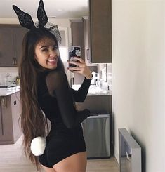 The notion of sexy Halloween costumes differs from year to year there is no doubt about that. But some ideas just never die. And we hope you like them halloween 2018 Diy Halloween Costumes For Women, Cute Costumes, Halloween Cosplay, Halloween Outfits, Costume Ideas, Halloween Ideas, Funny Halloween, Bunny Halloween Costume, Chic Halloween