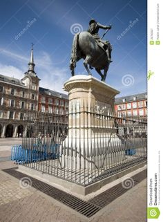 (http://nl.dreamstime.com/royalty-vrije-stock-fotografie-het-plein-van-het-standbeeld-burgemeester-madrid-spain-king-philips-iii-image20793307) Standbeeld op het plein om een Utrechter te eren. Eelco