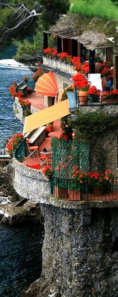 Portofino, Italy...I BELIEVE I HAVE A CALLING HER IN AMERICA, BUT EVERY TIME I SEE A PHOTO OF ITALY, I WANT TO MOVE THERE AND STAY!!!!!