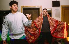 """ashton be like """"bow to me biatches im your kING!"""" and calum be like """"awh hELL NAH!"""" //"""