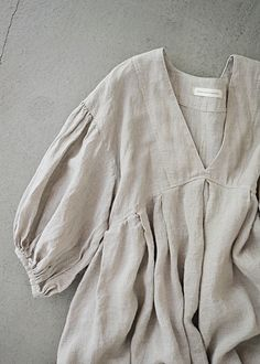 this body, shirt length but a different sleeve. see separate picture. Fashion Sewing, Diy Fashion, Ideias Fashion, Fashion Outfits, Womens Fashion, Gothic Fashion, Simple Dresses, Casual Dresses, Casual Outfits