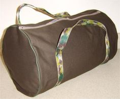 Free Pattern and Step by Step Directions to Sew a Duffel Bag