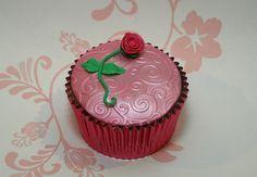 Trial cupcake by CakeMyDay, via Flickr