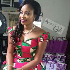 Latest Kente Fabric Styles For Fashionable Ladies - Loud In Naija African Fashion Ankara, Latest African Fashion Dresses, African Dresses For Women, African Print Dresses, African Print Fashion, Africa Fashion, African Attire, African Wear, African Women