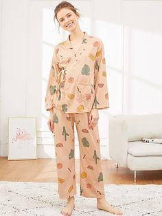 SHEIN offers Plants Print Wrap Pajama Set & more to fit your fashionable needs. Cute Pajama Sets, Cute Pajamas, Pijamas Women, Fashion News, Fashion Outfits, Cute Sleepwear, Pajama Outfits, Night Suit, Orange Fashion