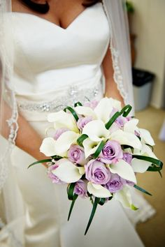i love this bouquet minus the green ribbons