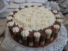 Knusper Schokoladentorte, ein leckeres Rezept aus der Kategorie Torten. Bewertungen: 2. Durchschnitt: Ø 2,8.