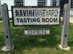 RAVINE VINEYARD #Niagara #vignobles #vin #Wine #Vineyards