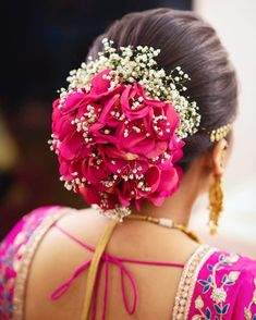 Wedding Hairstyles with Flowers 2020 50 Trending Indian Bridal Hairstyles for Haldi and Mehndi Of 97 Inspirational Wedding Hairstyles with Flowers 2020 Romantic Wedding Hair, Wedding Hair Flowers, Bridal Flowers, Flowers In Hair, Hair Wedding, Bridal Hair Buns, Bridal Hairdo, Indian Wedding Hairstyles, Bride Hairstyles