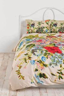 Cheer up your bedroom décor in the bohemian style with these examples of colorful duvet covers. Home Bedroom, Bedroom Decor, Bedroom Ideas, Bedrooms, Vintage Bedding Set, Interior Exterior, Interior Design, Duvet Covers Urban Outfitters, Up House