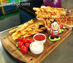 Fırında Erik Pestili (Pratik Pestil) | Lezzetibol Pizza, Iftar, Food And Drink, Cheese, Meat, Chicken, Cubs